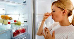 Come pulire il frigo: ecco alcuni consigli utili per la pulizia