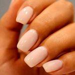 Smalto semipermanente, come realizzare una perfetta manicure a casa