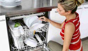 Come pulire lavastoviglie con metodi e rimedi naturali