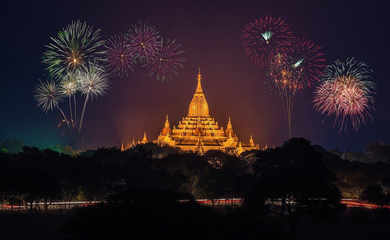 Storia e significato dei fuochi d'artificio: come nasce questa tradizione