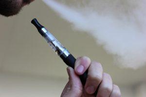 Alleati di stile: la sigaretta elettronica Justfog